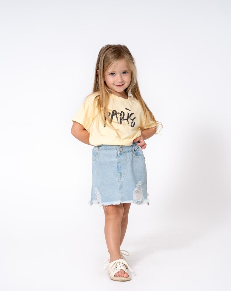 חולצת טי שירט פריז מק_ט 0.6 +חצאית ג_ינס קרעים מק_ט 0.7.